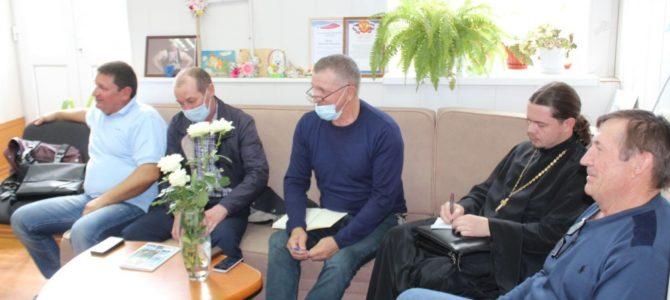 В заседании круглого стола принял участие благочинный Варненского округа иерей Стефан Андрейко.